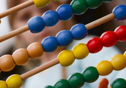 Matematica-Aplicatii ale algebrei în geometrie